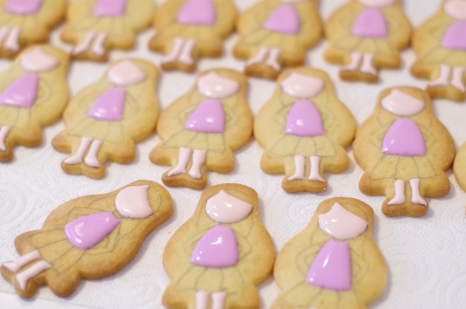 doctorcookies galletas decoradas muñeca Emma (2).JPG