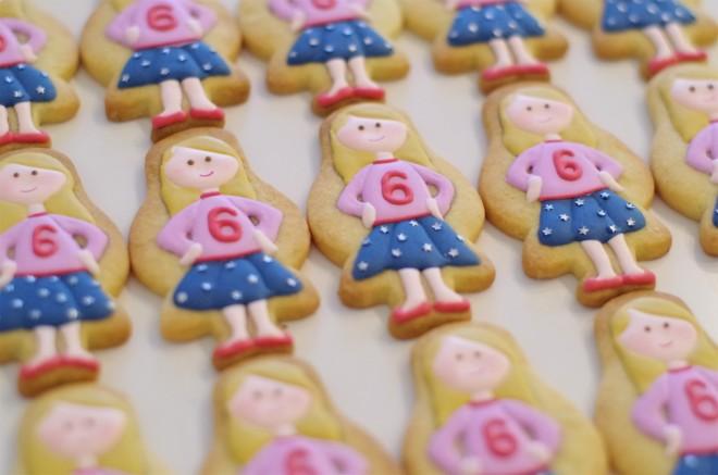 doctorcookies galletas decoradas muñeca Emma (9).JPG