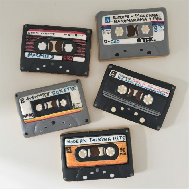 doctorcookies galletas decoradas cassette pop k7 cookies (2)