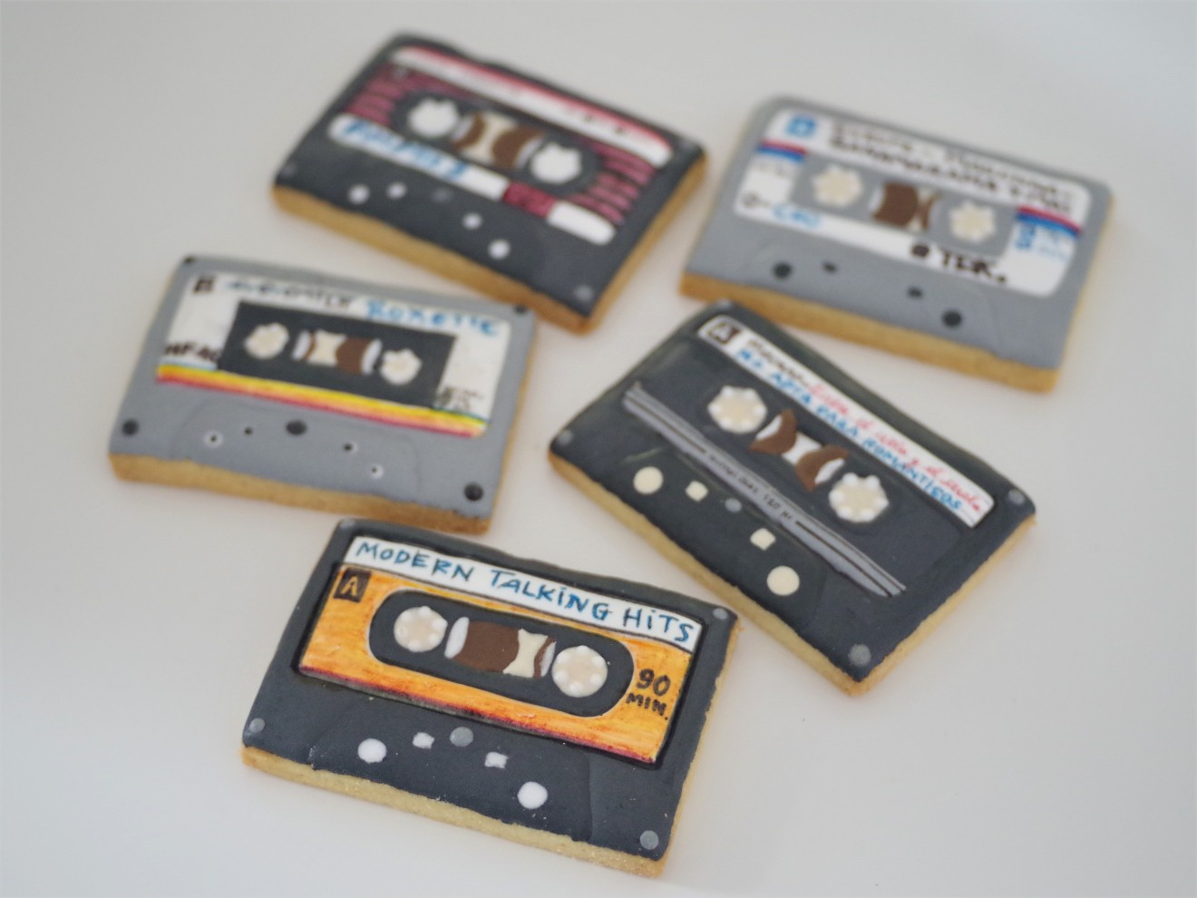 doctorcookies galletas decoradas cassette pop k7 cookies (23).JPG