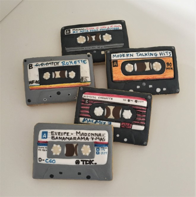 doctorcookies galletas decoradas cassette pop k7 cookies (4).JPG